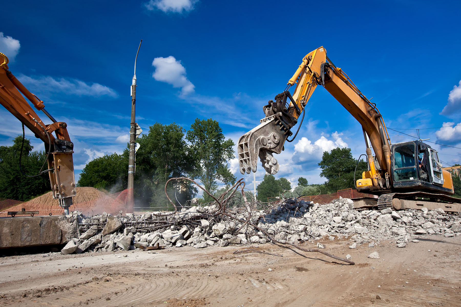 Demolition melbourne victoria earthmoving group melbourne excavation earth moving for Cost to demo interior of house